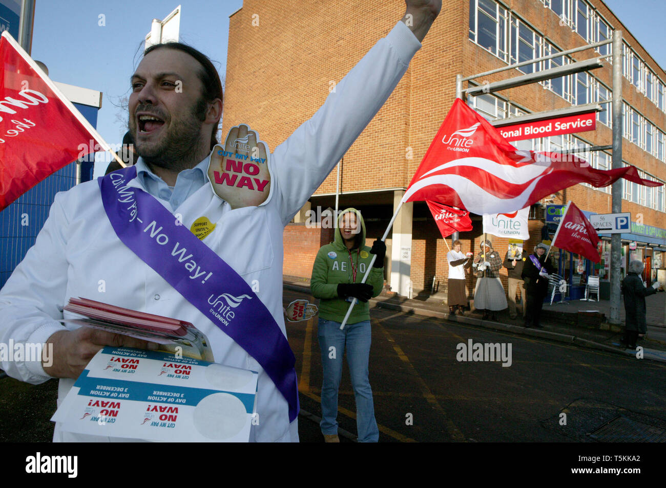 NHS workers hold a 'day of action' over a three year low pay offer. National Blood Service Colindale, London. 3.12.2008 - Stock Image