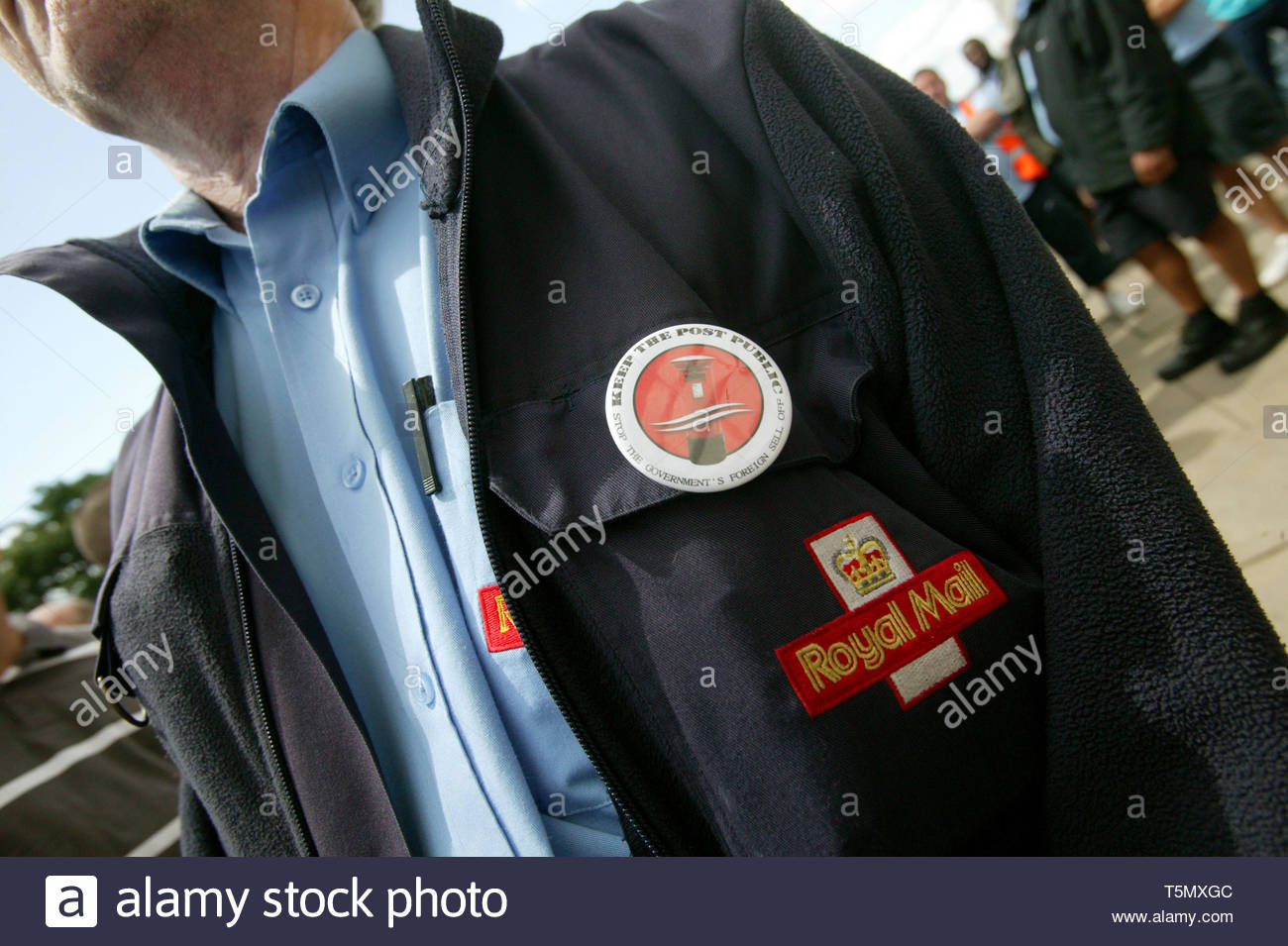 Postal workers strike outside Royal Mail headquarters at  Unilever House. London.  19/06/2009 - Stock Image