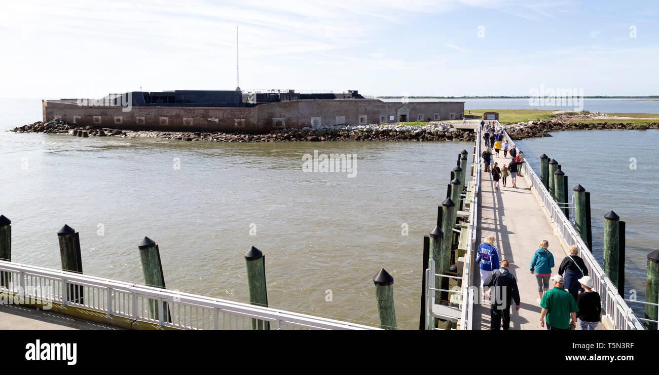 Visitors arrive at Fort Sumter National Monument near  Charleston, South Carolina, USA. The site is operated by the US National Park Service. - Stock Image