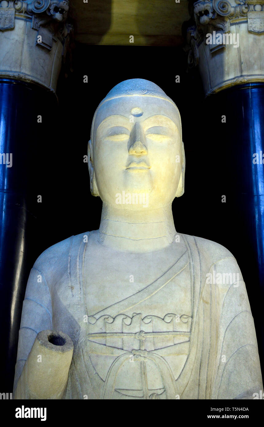 British Museum, Bloomsbury, London, England, UK. Amitabha Buddha (AD585: Sui Dynasty - 581-618) Hebei province, China. the Buddha of infinite light - Stock Image