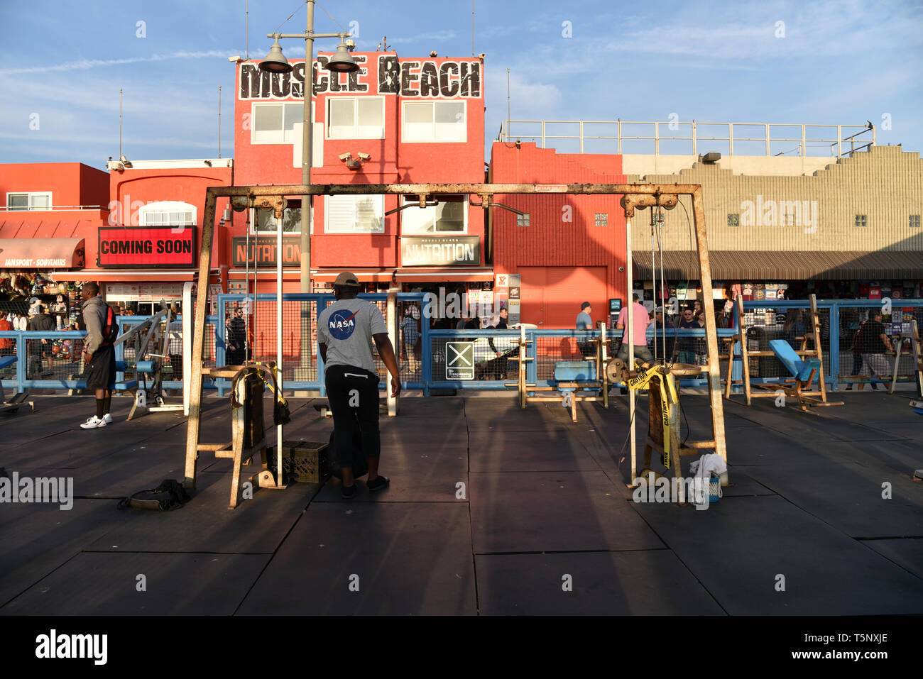 LOS ANGELES, CA/USA  - November 17, 2018:  The world famous Muscle Beach weight pen in Venice Beach California - Stock Image