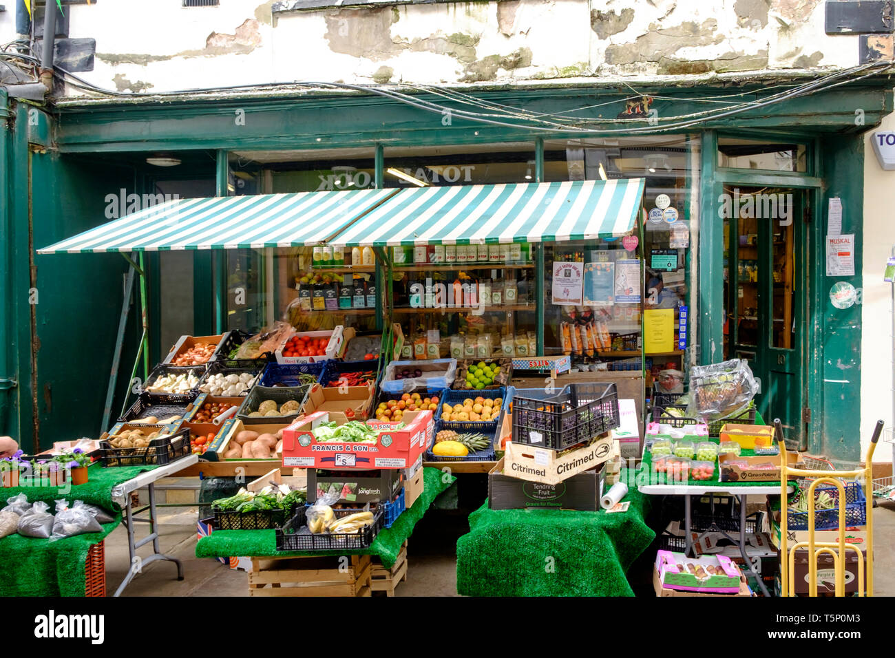 Around Monmouth a historic town in Monmouthshire Wales UK Church st Munday and Jones Greengrocers - Stock Image
