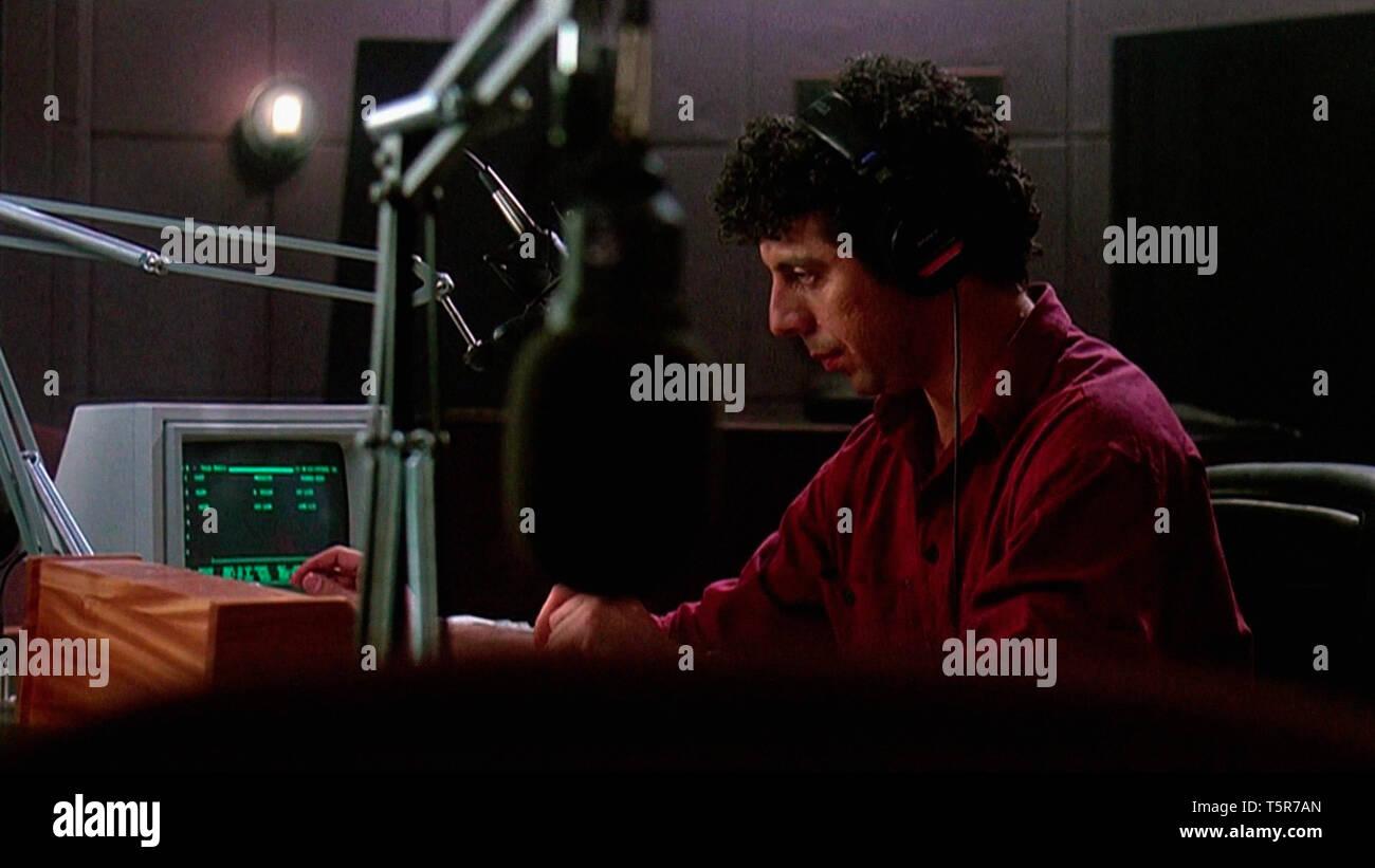 CONVERSATIONS NOCTURNES TALK RADIO 1988 de Oliver Stone Eric Bogosian. studio de radio; radio studio d'apres le livre de Stephen Singular based on the - Stock Image