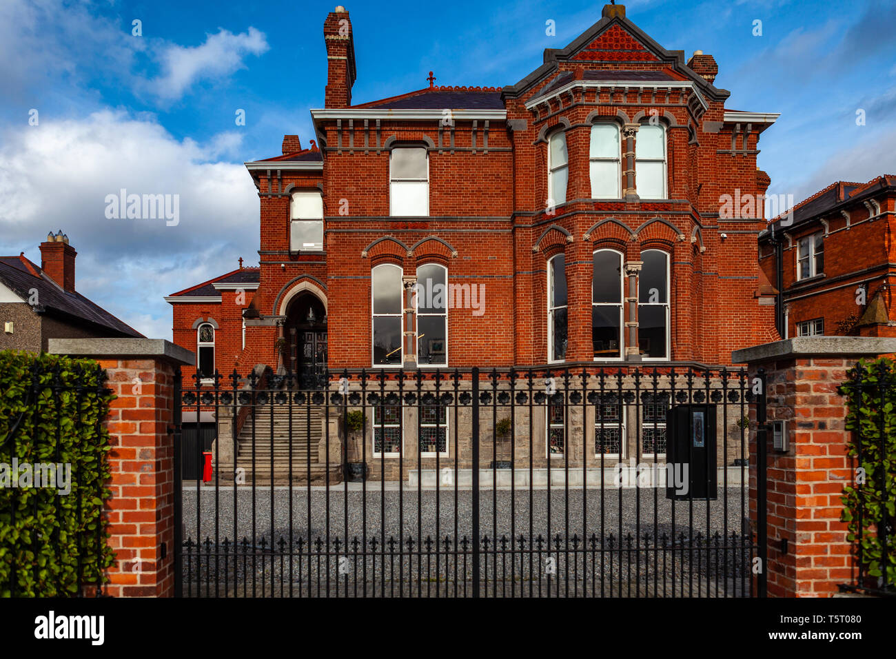 Dublin, Ireland – March 2019. Streets and buildings of historical city Dublin - Stock Image