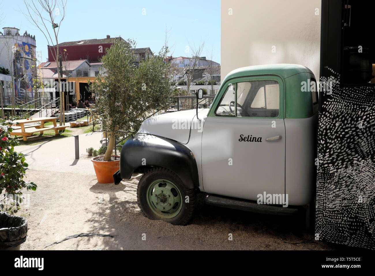 Pickup Trucks In Europe High Resolution Stock Photography And Images Alamy