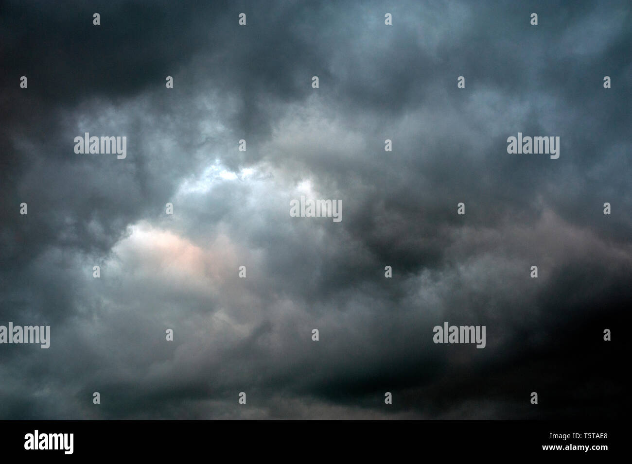 stromy, ominusCumulonimbus clouds with an ominus look - Stock Image