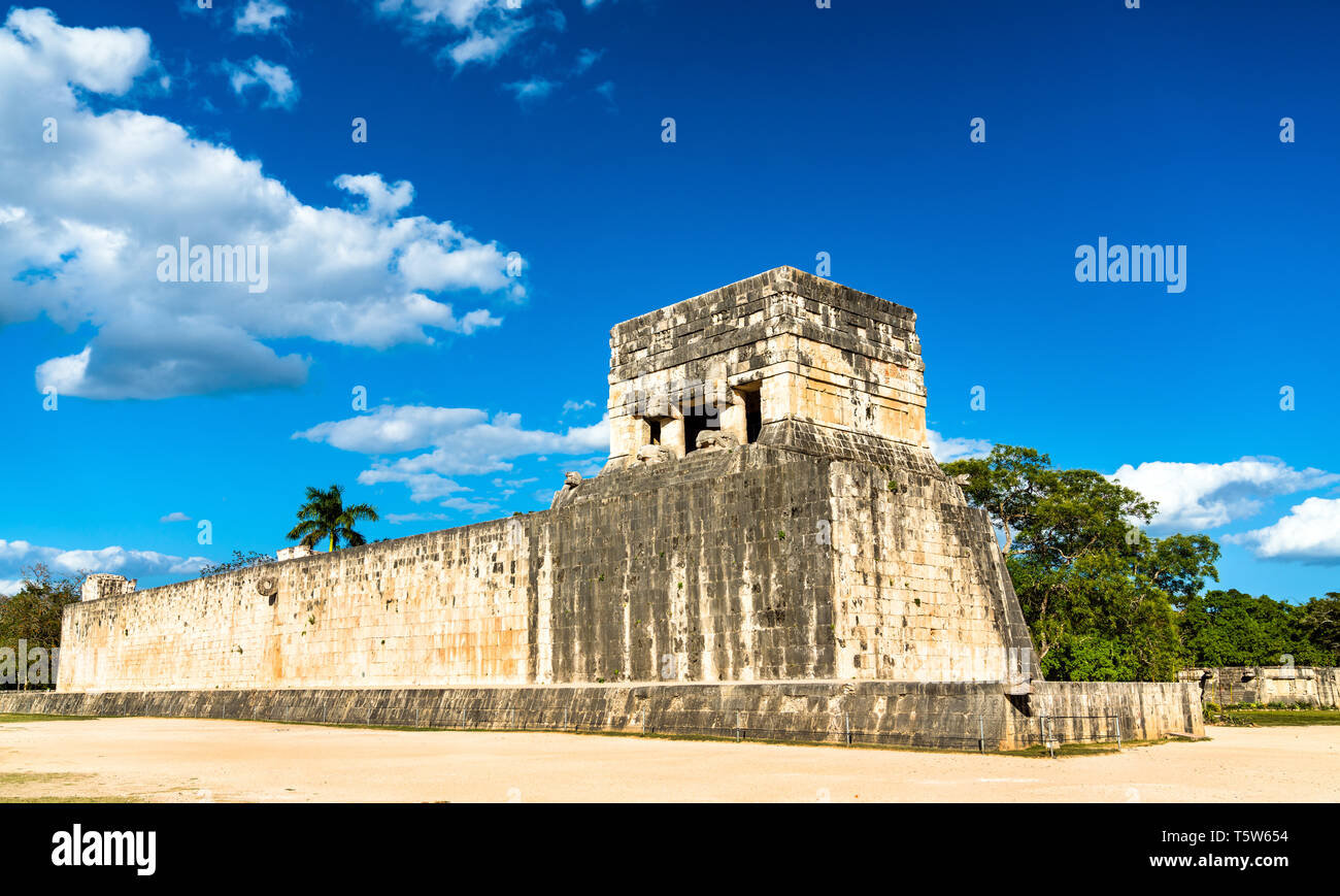 Grand Ballcourt at Chichen Itza, Mexico - Stock Image