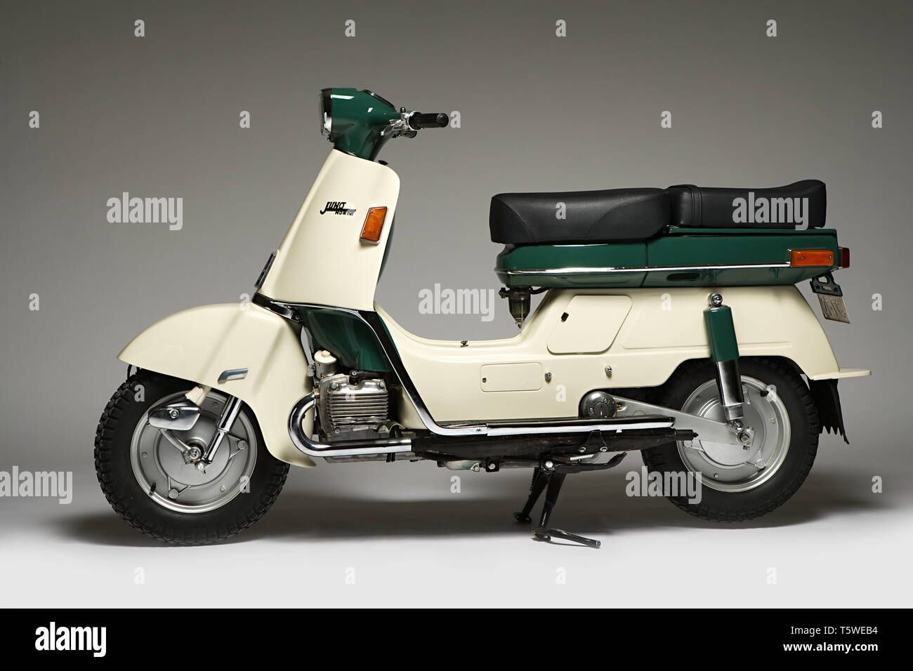 Honda Scooter Stock Photos Honda Scooter Stock Images Page 2 Alamy