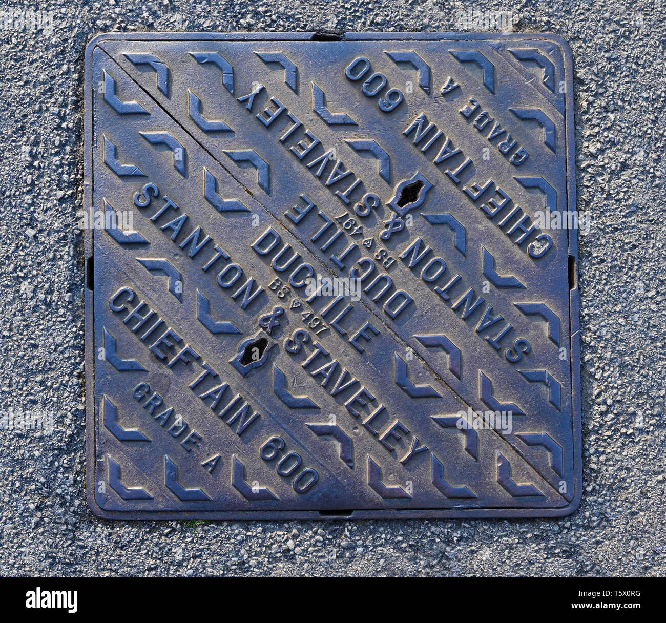 Cast Iron Inspection Chamber Cover. Stanton & Staveley. Ductile. Chieftain 600. Grade A. BS 497. - Stock Image