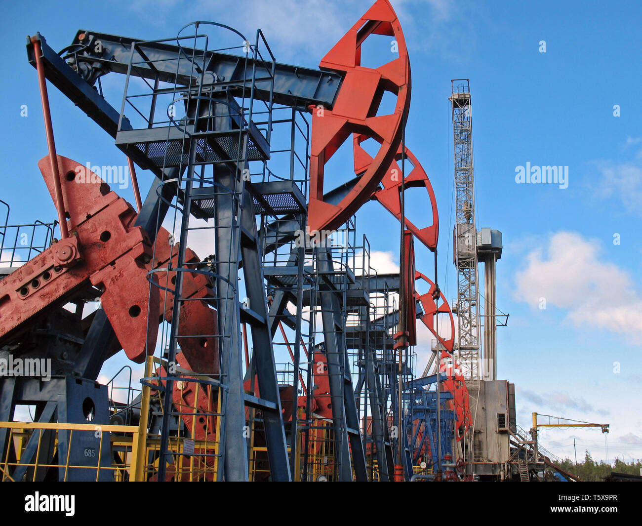 Oil Gas Jack And Field Pump Of On A IndustryWork lFK51JT3uc