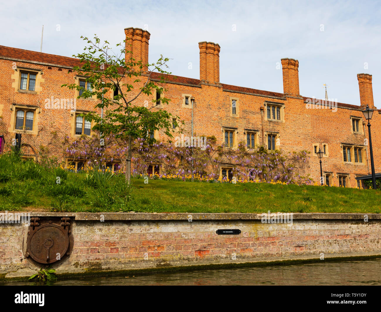 Magdelene College from the River Cam, University town of Cambridge, Cambridgeshire, England - Stock Image