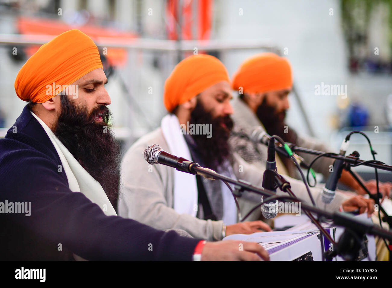 London, UK.  27 April 2019.  Performers on stage during the festival of Vaisakhi in Trafalgar Square, hosted by the Mayor of London.  For Sikhs and Punjabis, the festival celebrates the spring harvest and commemorates the founding of the Khalsa community over 300 years ago.  Credit: Stephen Chung / Alamy Live News - Stock Image