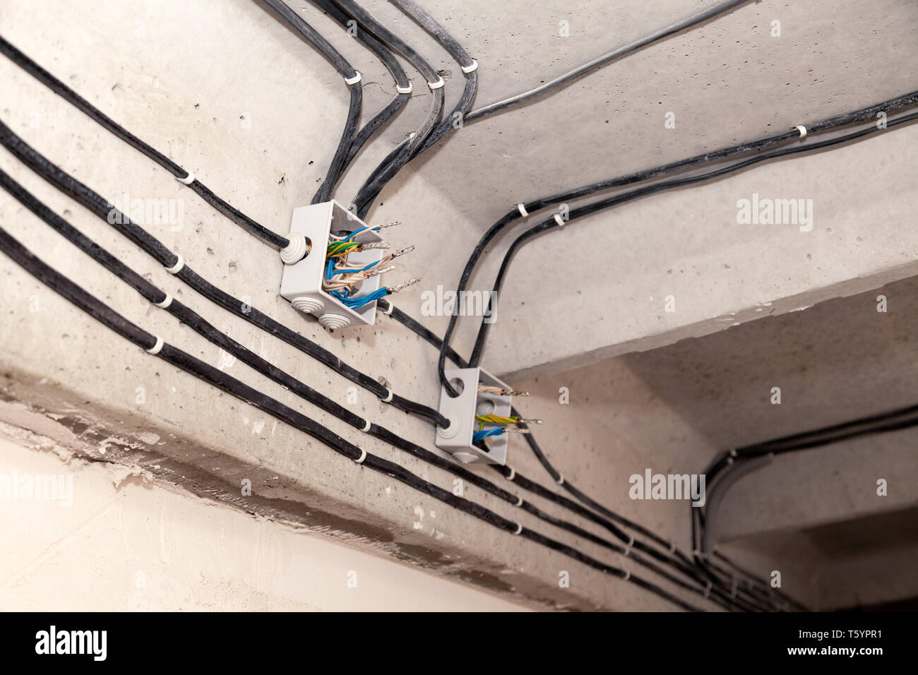 Wiring A Light In Ceiling