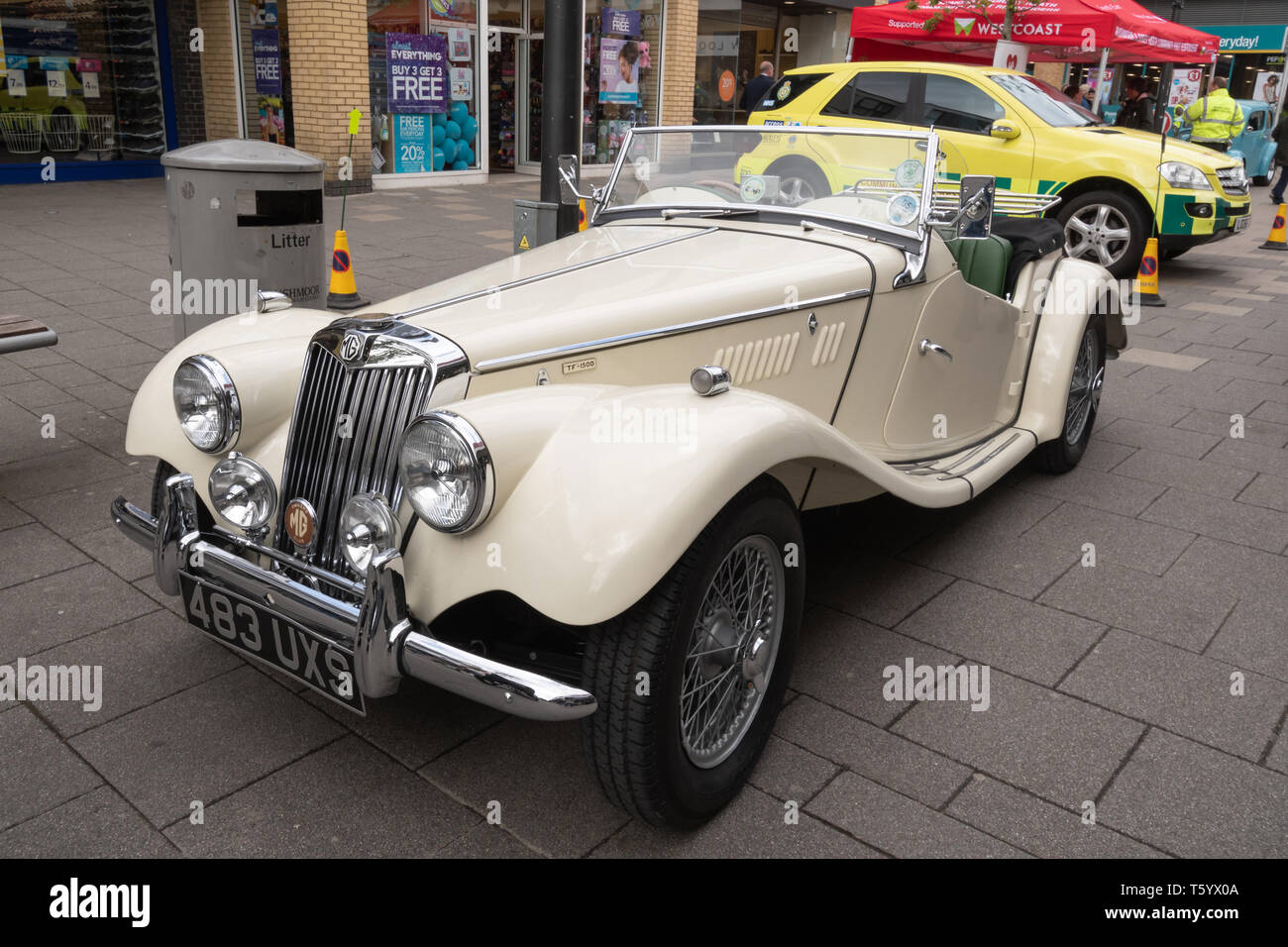 White MG TF-1500 vintage car (1955) on display in a UK Classic Motor Vehicle Show - Stock Image