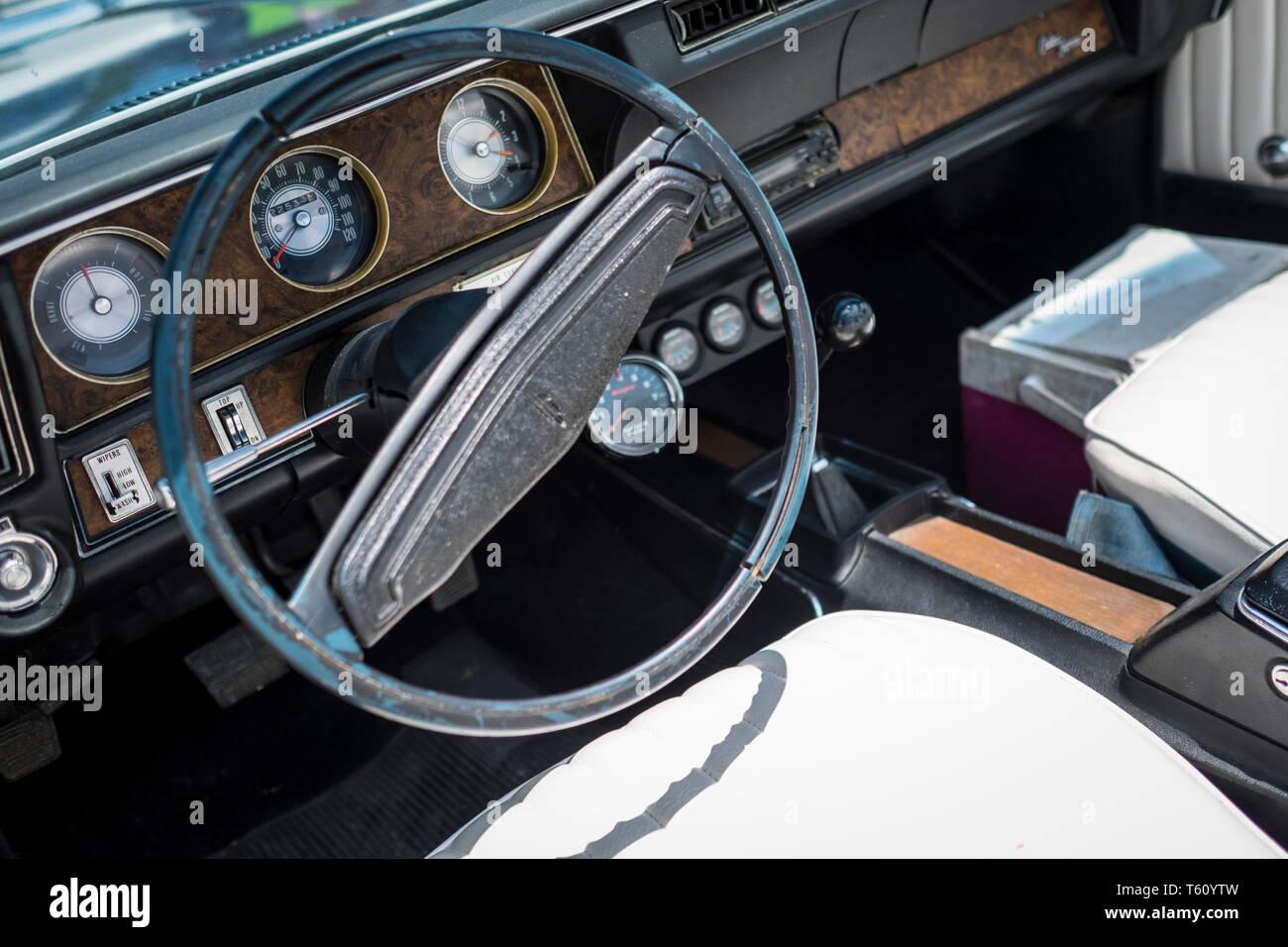 Oldsmobile Cutlass Stock Photos & Oldsmobile Cutlass Stock