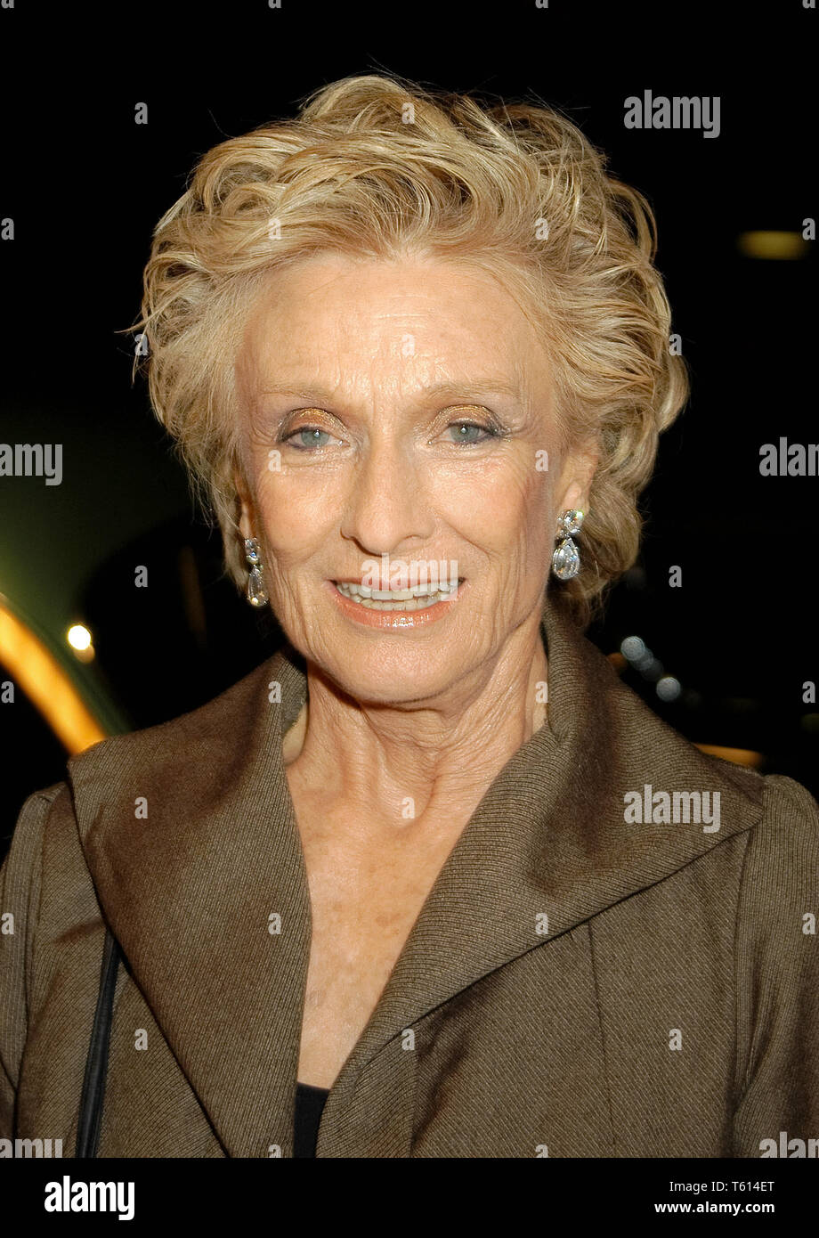 Cloris Leachman at the Academy of Television Arts & Sciences dinner honoring the 55th Annual Primetime Emmy Awards Nominees for Outstanding Performing Talent at Spagos in Beverly Hills, CA. The event took place on Thursday, September 18, 2003. Photo by: SBM / PictureLux  File Reference # 33790_1736SBMPLX - Stock Image