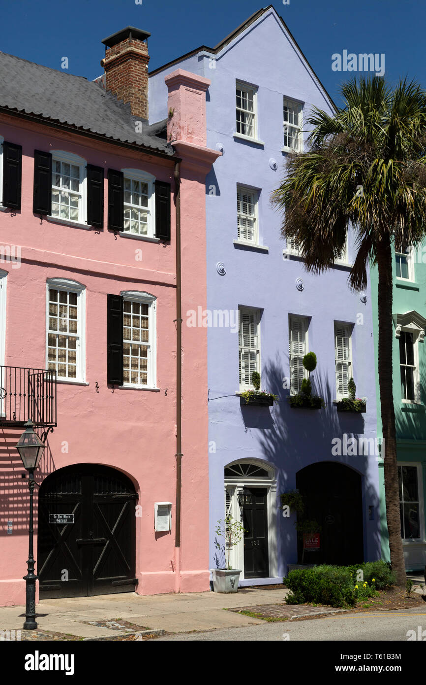 Pastel facades of colonial buildings in Charleston, South Carolina, USA. - Stock Image