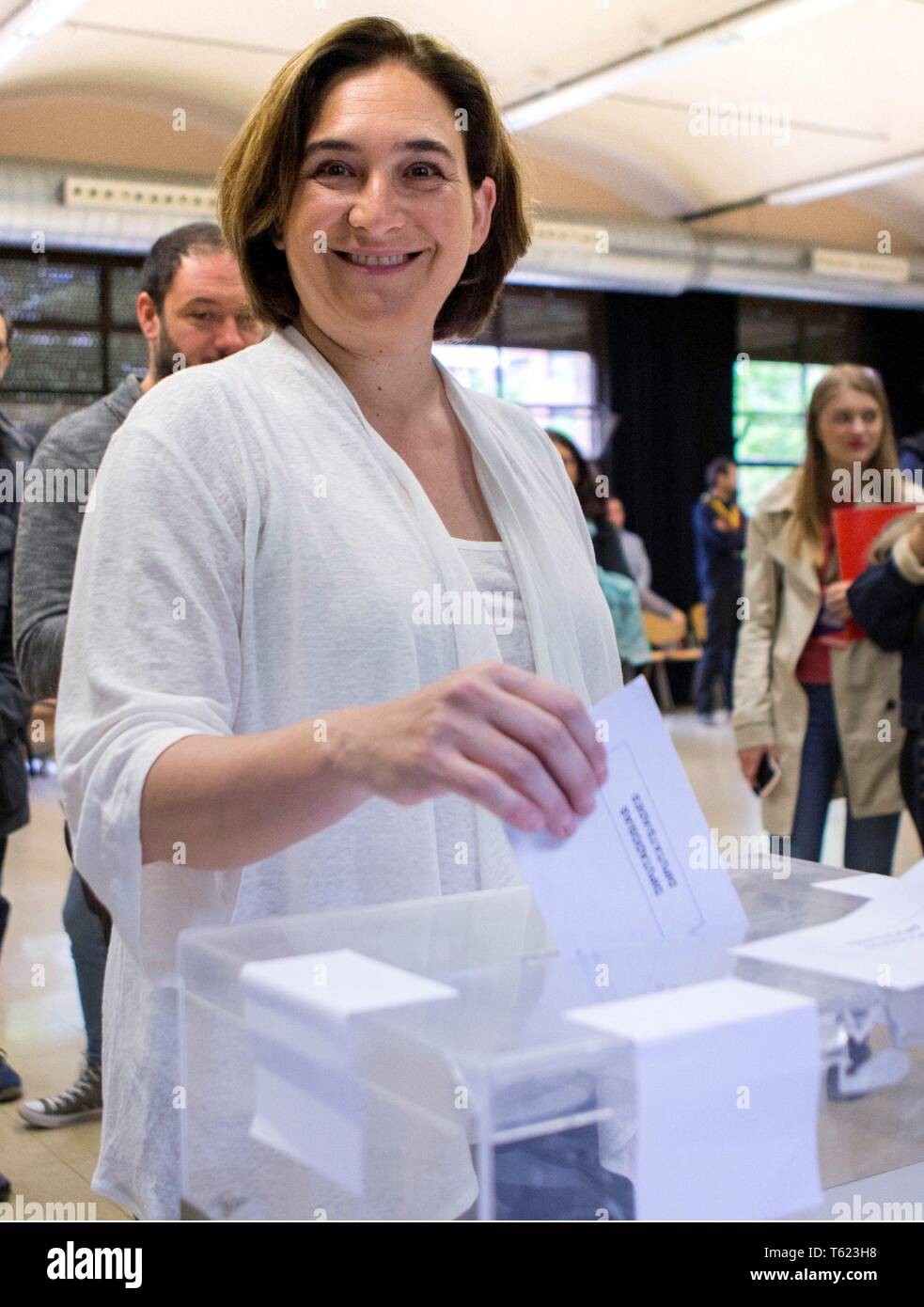 Mayoress of Barcelona, Ada Colau, casts her vote during general elections at a polling station in Barcelona, Spain. Nearly 36.9 million people are called to vote in the Spanish elections to choose the 350 seats that conform the Parliament's Lower Chamber and the 208 seats of the Upper Chamber for the next legislature. EFE/ Quique Garcia Credit: EFE News Agency/Alamy Live News - Stock Image