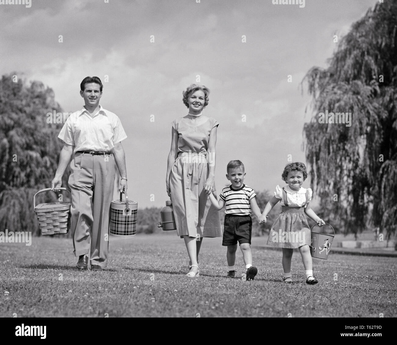 Family Life 1950 S High Resolution Stock Photography And Images Alamy