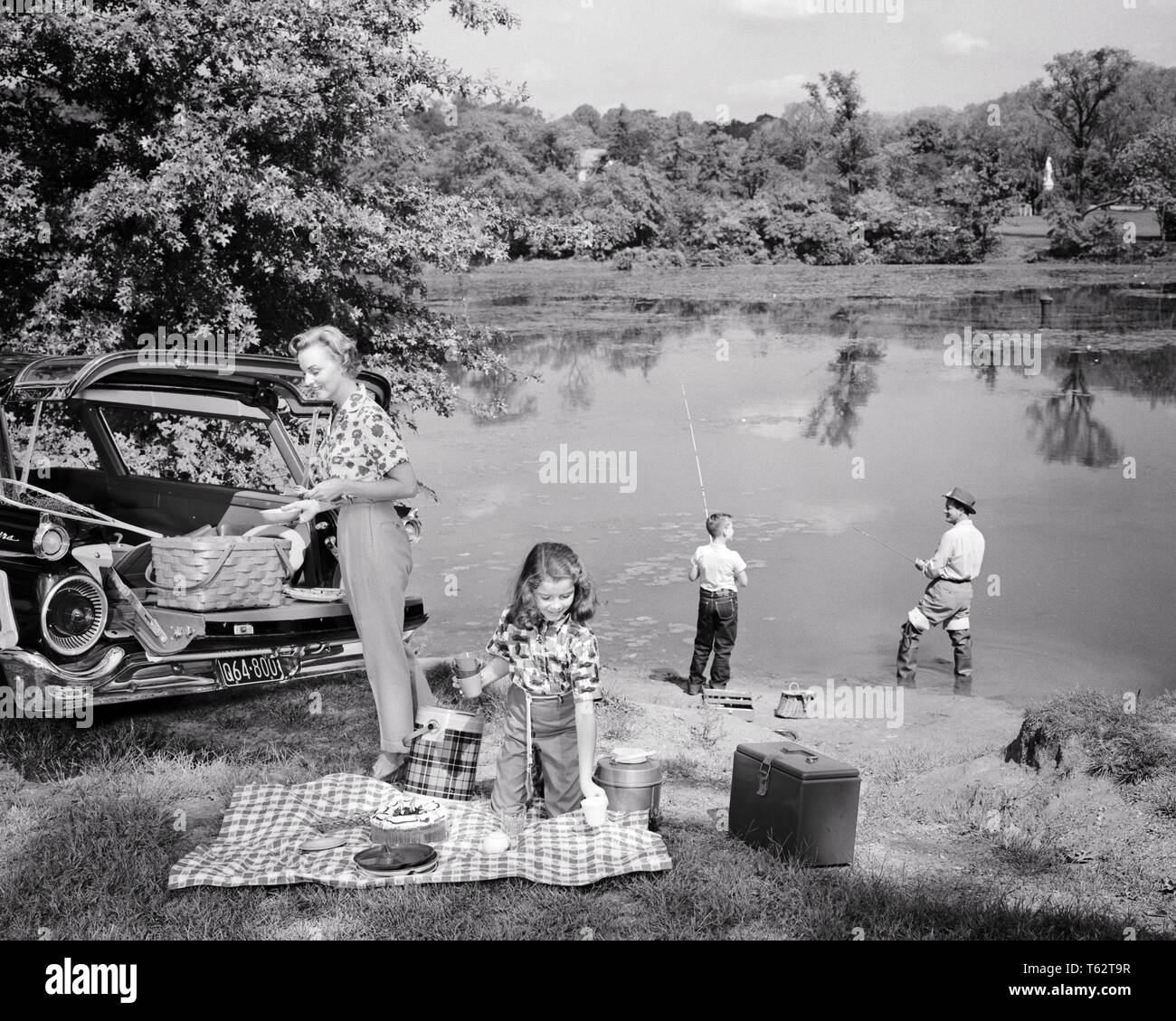 2 Antique Black /& White Photo Family Of 4 Adult Sisters and Boy On Lake In Boat;Landscape;Outdoors