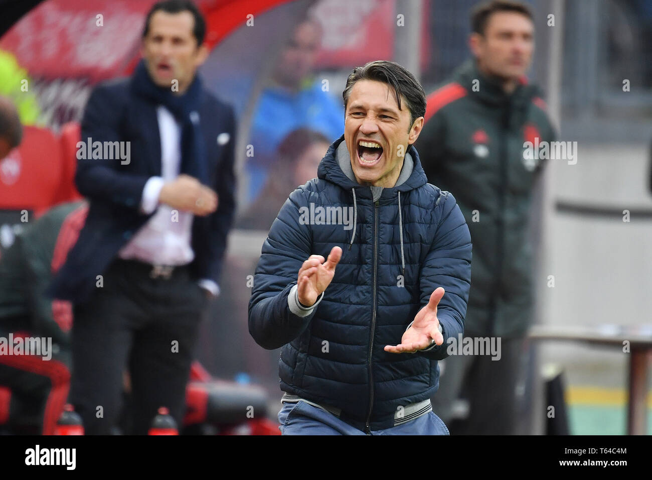 Nuremberg, Deutschland. 28th Apr, 2019. Niko KOVAC (coach FC Bayern Munich) loudly gives instructions, gesture, single picture, truncated single motive, half figure, half figure, hi: Hasan SALIHAMIDZIC (sports director FC Bayern Munich). Soccer 1. Bundesliga, 31.matchday, matchday31, 1.FC Nuremberg (N) -FC Bayern Munich (M), 1-1, on 28/04/2019 in Nuernberg/Germany. MAX MORLOCK STADIUM. DFL REGULATIONS PROHIBIT ANY USE OF PHOTOGRAPH AS IMAGE SEQUENCES AND/OR QUASI VIDEO. | usage worldwide Credit: dpa/Alamy Live News - Stock Image