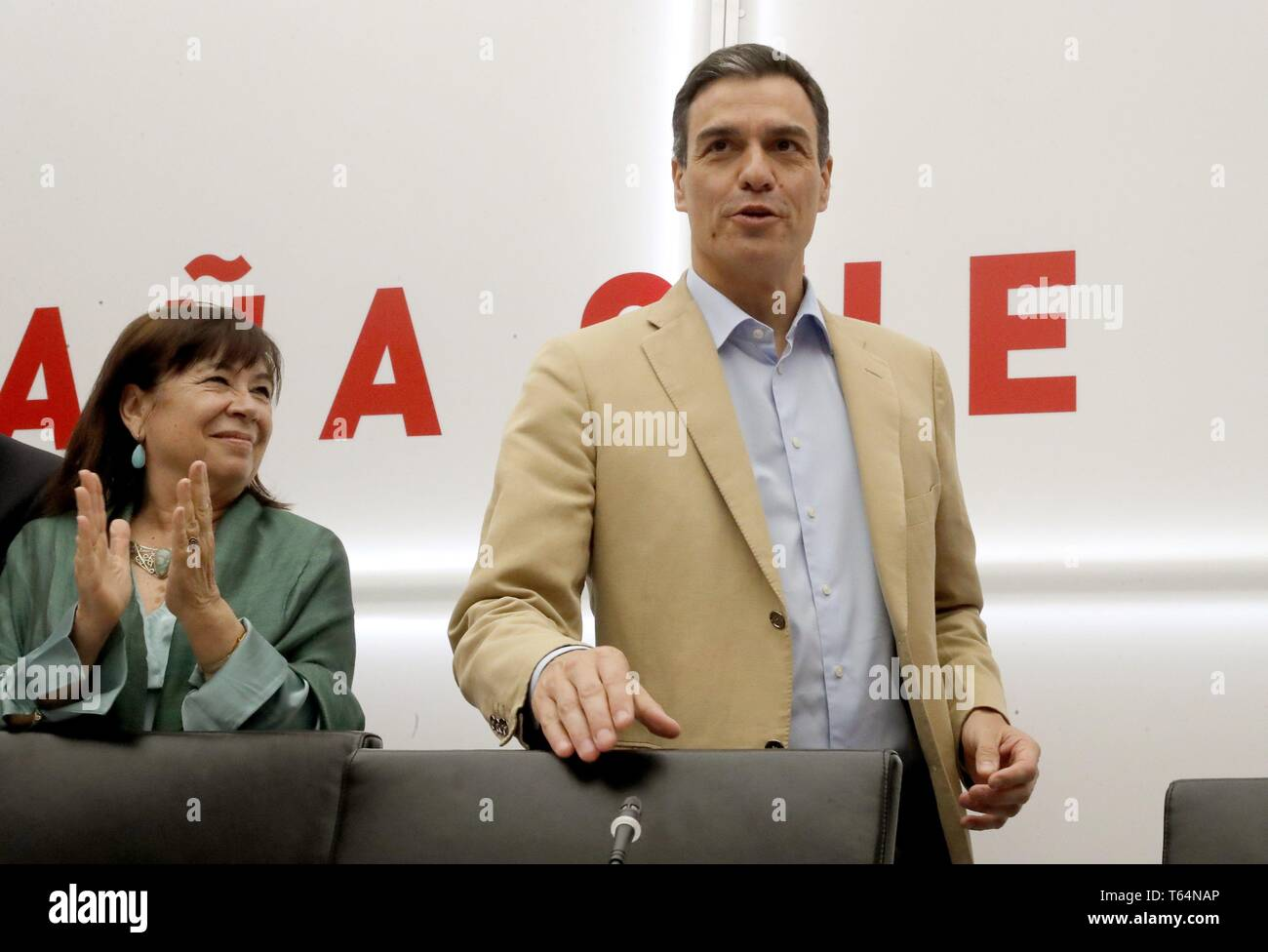 Madrid, Spain. 29th Apr, 2019. Spanish acting Prime Minister and Secretary-General of PSOE, Pedro Sanchez (R), attends a meeting of PSOE's executive board, in Madrid, Spain, 29 April 2019. Sanchez and his Spanish Workers' Socialist Party won 123 of the 350 seats that conform the Parliament's Lower Chamber in the 28A general elections. Credit: Zipi/EFE/Alamy Live News - Stock Image