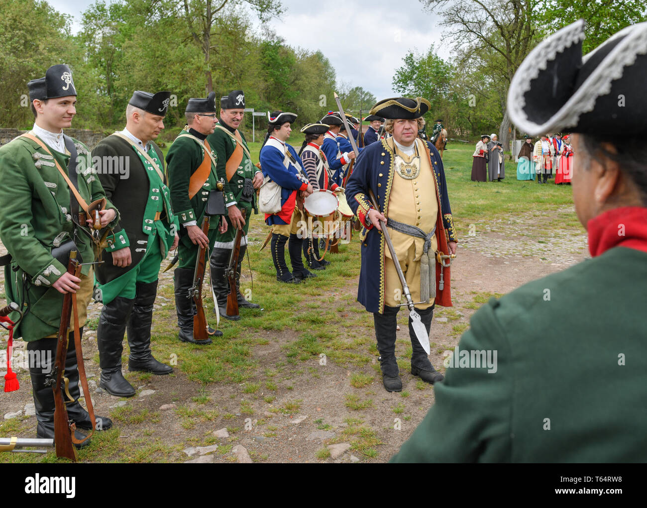 27 04 2019, Poland, Kostrzyn: Participants in historical
