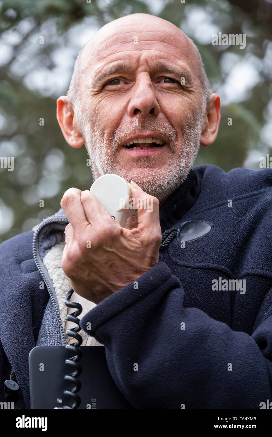 Oxford World Day for Animals in Laboratories. Animal rights activist John Curtin speaking at the Oxpens Park rally. - Stock Image
