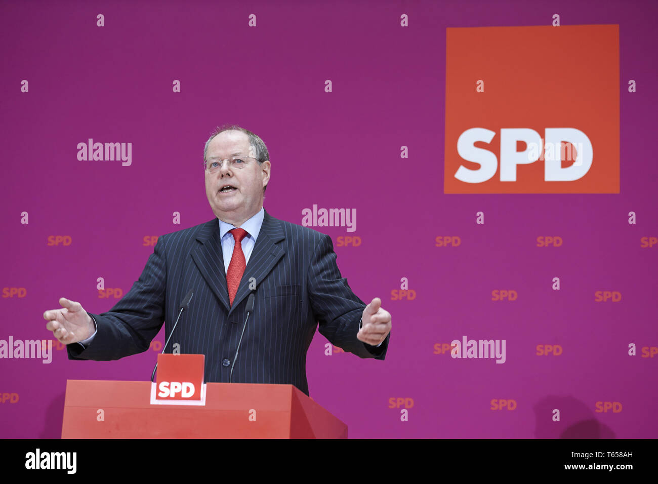 Steinbrück (SPD) and Gabriel at press conference. - Stock Image
