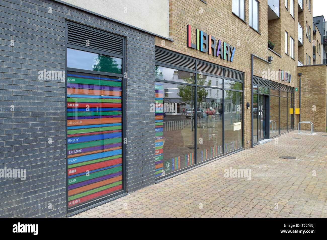 New Library, Horley, Surrey (1 of 4) - Stock Image