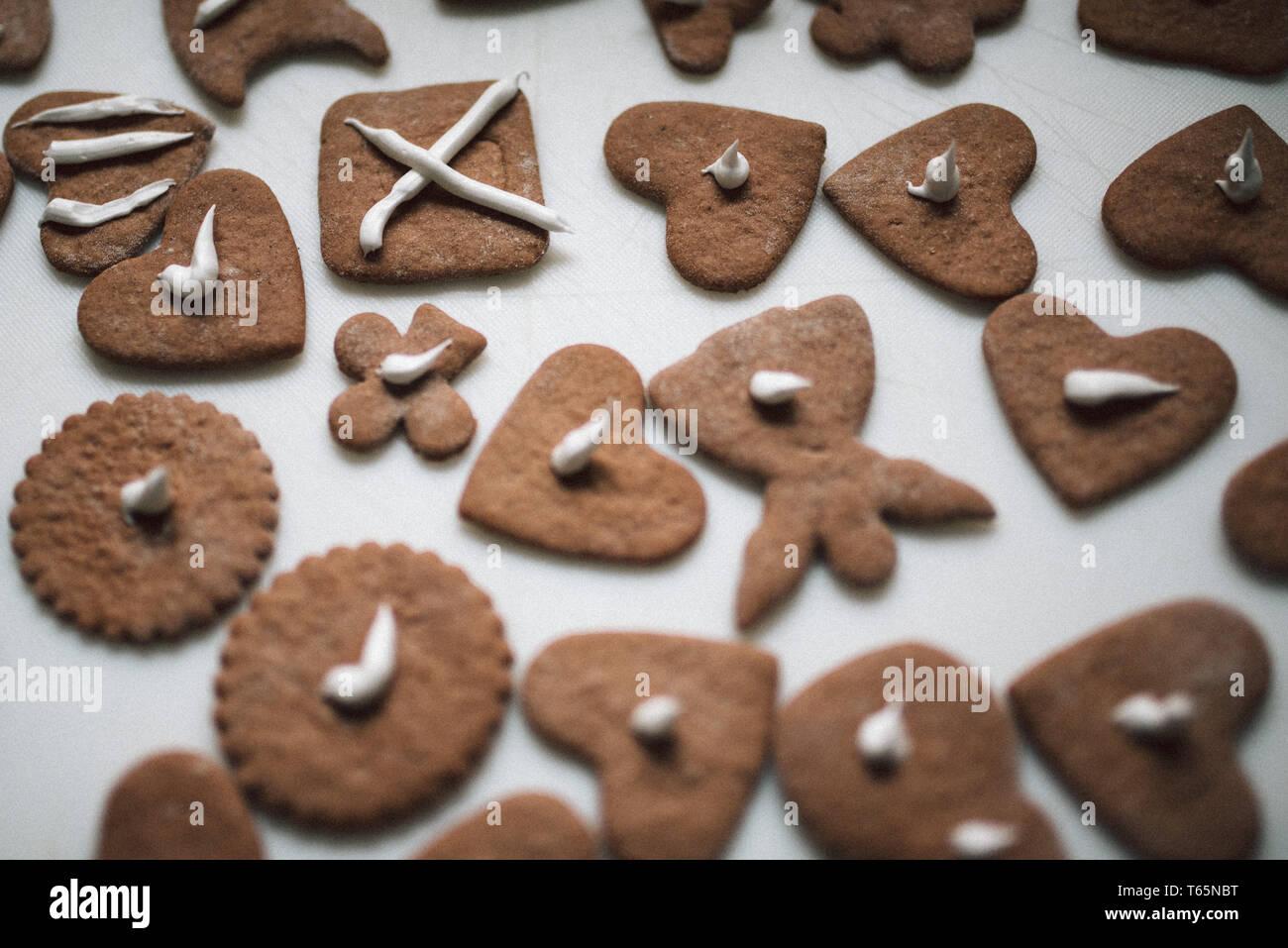 Weihnachtsgebäck Engelsaugen.Plätzchen Kinder Stock Photos Plätzchen Kinder Stock Images Alamy