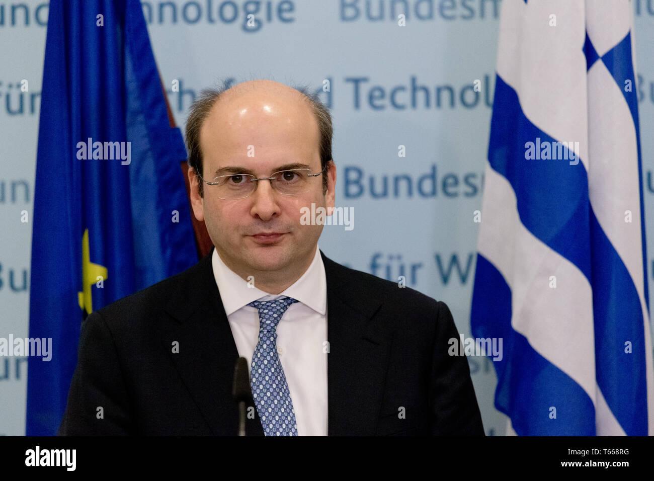Roesler meets Konstantinos Hatzidakis Greek FM - Stock Image