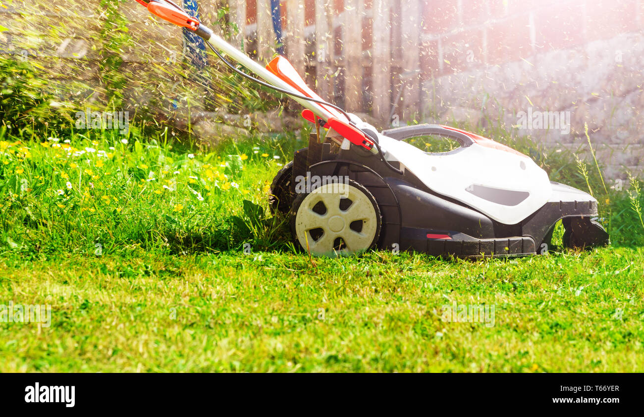 Powered Lawnmower Stock Photos & Powered Lawnmower Stock