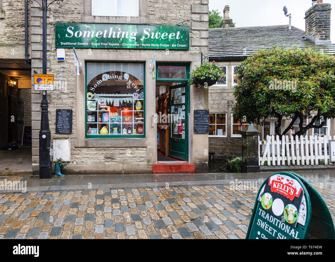 Something Sweet, a well known sweet shop in the centre of Hedben Bridge, Calderdale, West Yorkshire - Stock Image