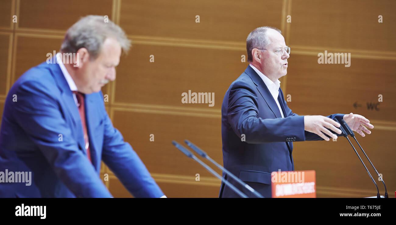 Statement by Peer Steinbrück and Frank Bsirske - Stock Image