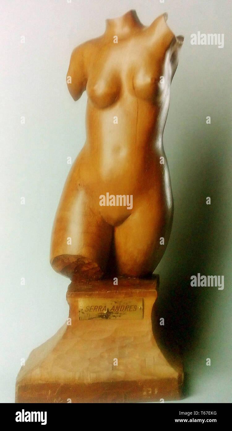 Busto Femenino -  Obra del escultor Francisco Serra Andrés - Stock Image