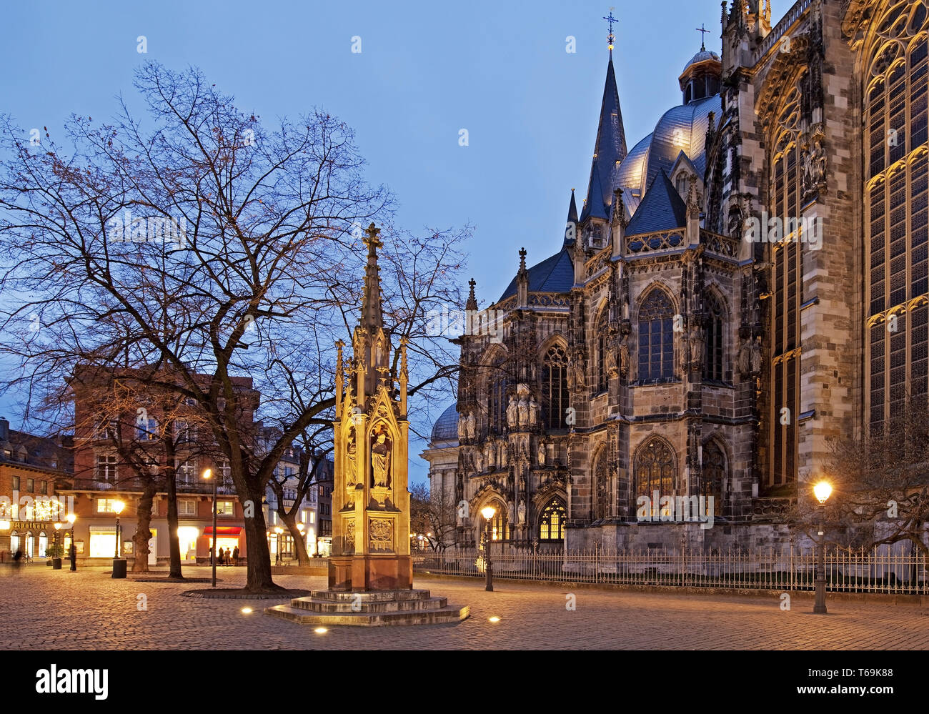 Vincent fountain, Muensterplatz in front of the cathedral, Aachen, North Rhine-Westphalia, Germany - Stock Image
