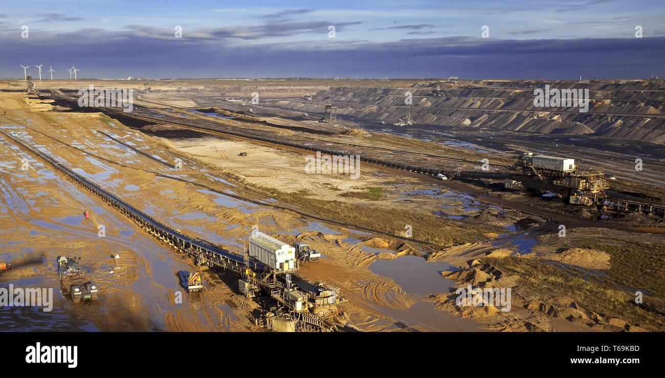 Garzweiler II brown coal surface mining, Garzweiler, North Rhine-Westphalia, Germany, Europe Stock Photo