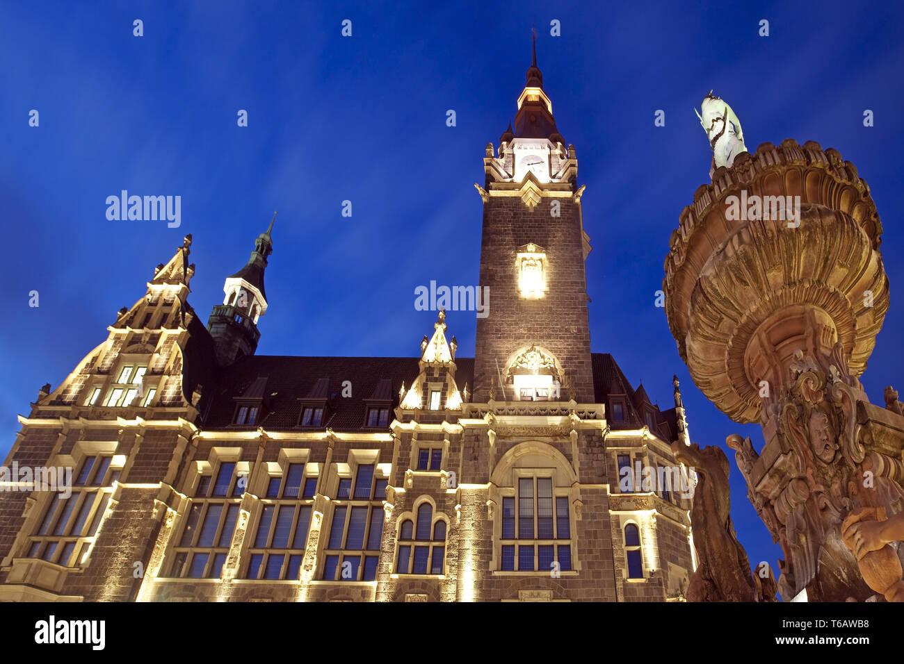 Illuminated town hall Elberfeld with Jubilee Fountain, Wuppertal, North Rhine-Westphalia, Germany - Stock Image