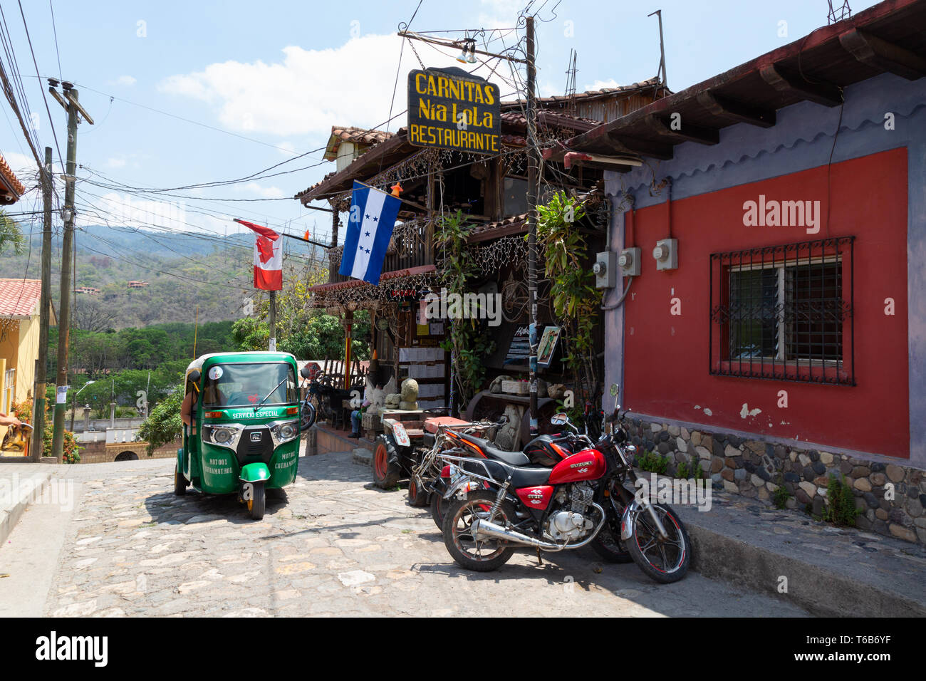 Street scene in the colourful town of Copan Ruinas, near the Copan archaeological site, Honduras, Central America - Stock Image
