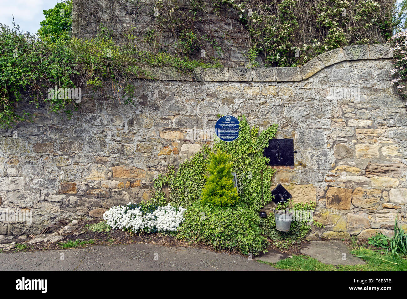 The Lockit Well in NTS town The Royal Burgh of Culross Fife Scotland UK - Stock Image