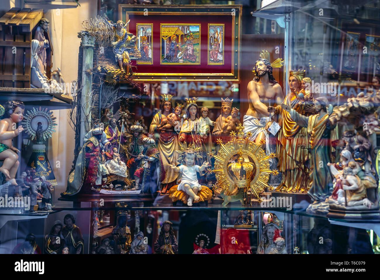 Sobrinos De Perez El Angel - The Angel Perez Nephews devotional articles shop on Calle de Postas street in Madrid, Spain - Stock Image