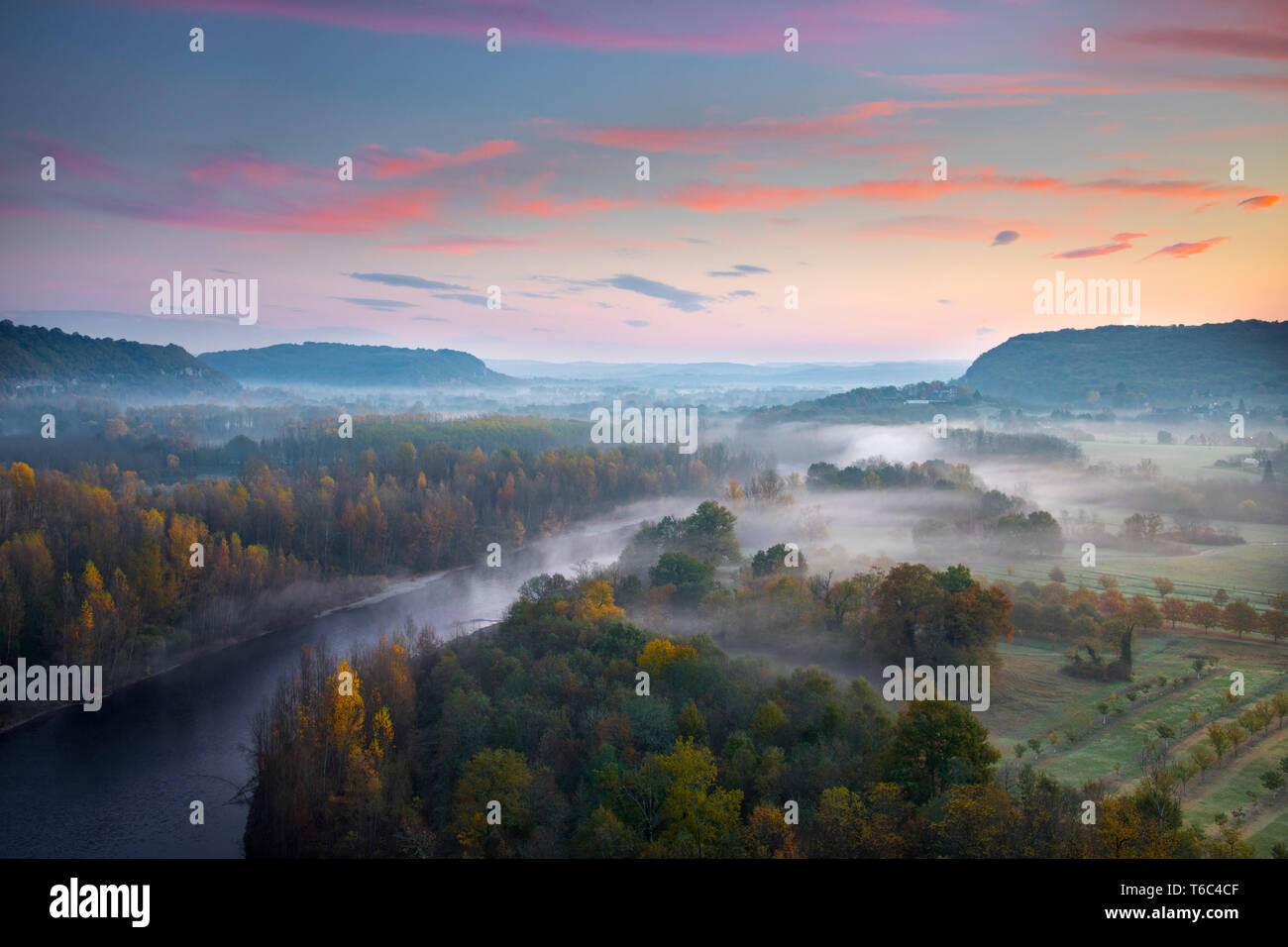 Aerial view of the Dordogne Valley & Dordogne river on a misty morning in autumn, Lot, Midi-Pyrenees, France - Stock Image