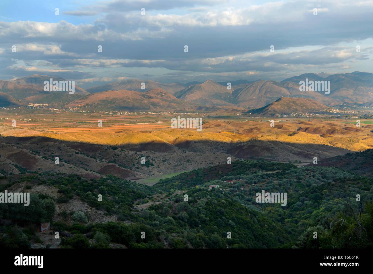 Albanien, Region_Vlora, Landschaft bei Nivice - Stock Image
