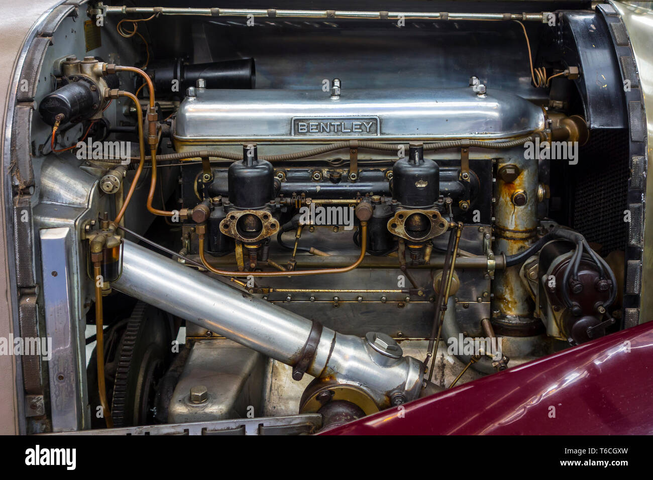 1928 British inline-four engine of Bentley 4½ Litre racing car at Autoworld, vintage car museum in Brussels, Belgium - Stock Image