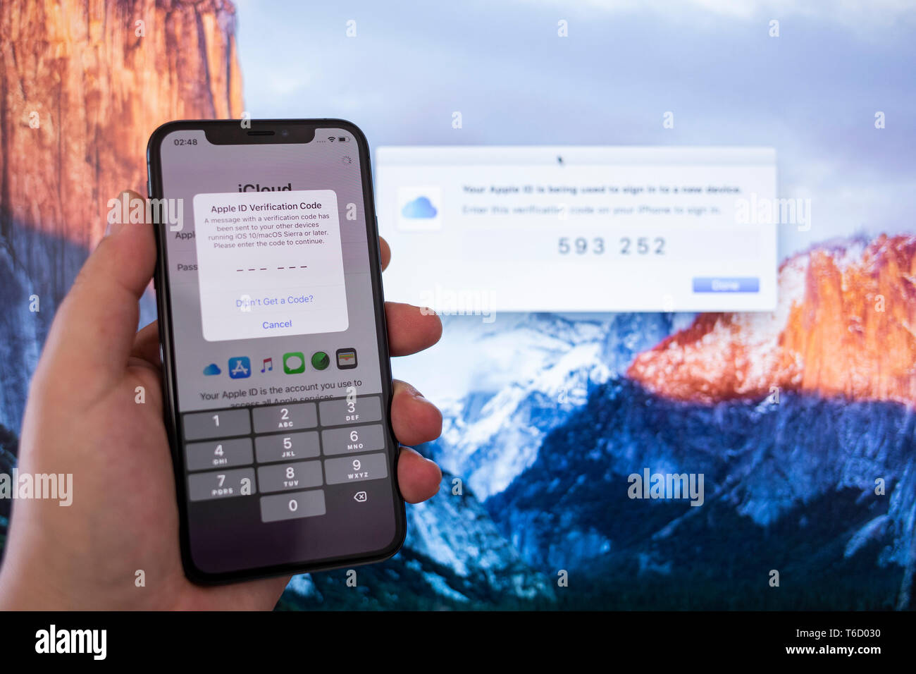 Apple Iphone XS Space Gray Screen with Two-factor authentication - Stock Image