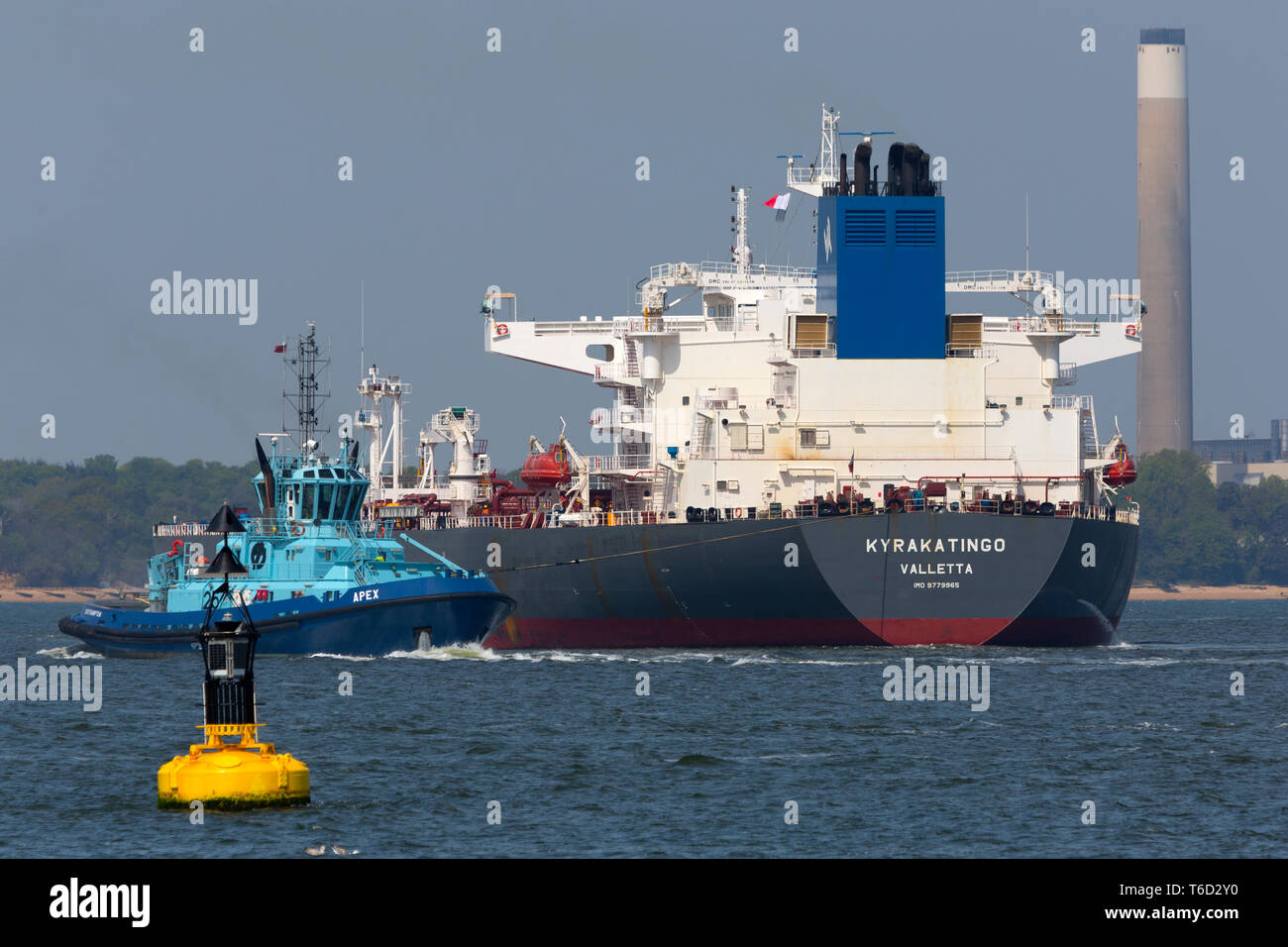 Kyrakatingo Valletta Voith Schneider Power System Propulsion Chemical Southampton Services Port Towing Tanker Oil Refinery Fawley The Solent Stock Photo Alamy