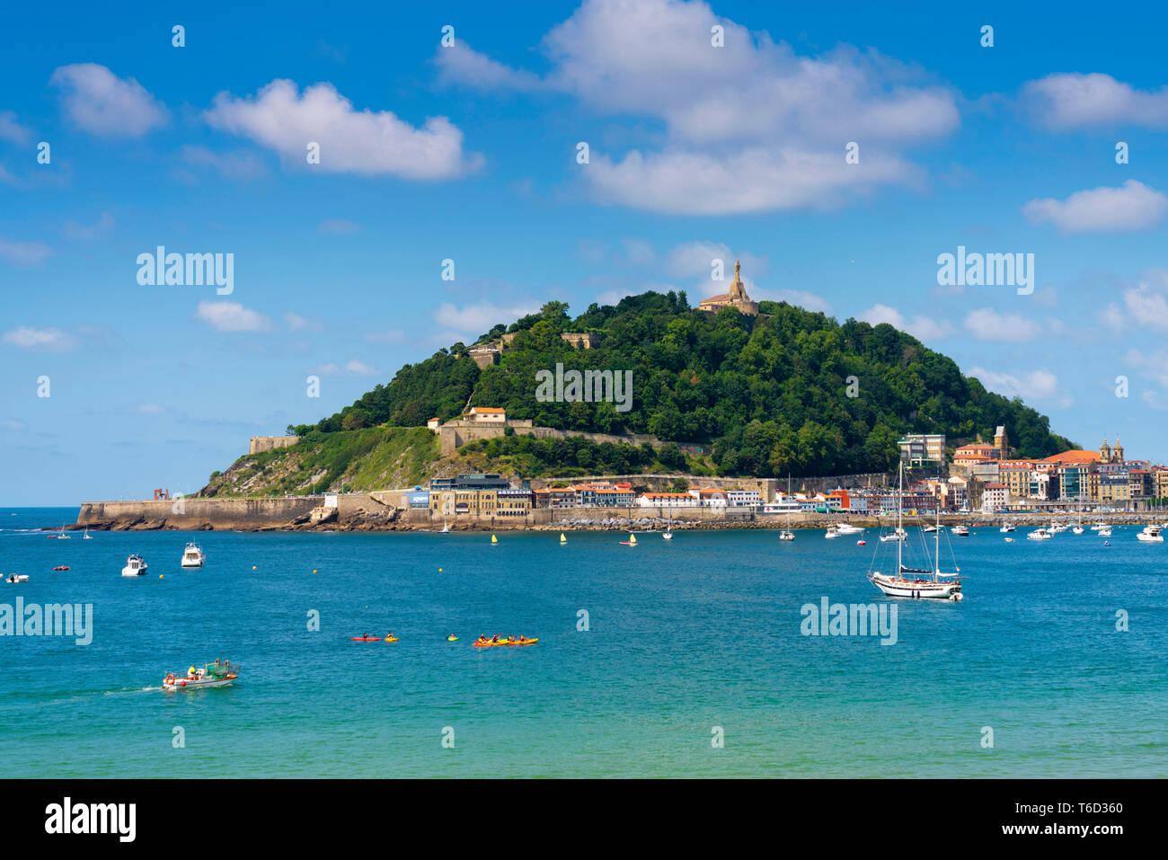 Spain, Basque Country, San Sebastian (Donostia). view of town and Concha bay - Stock Image