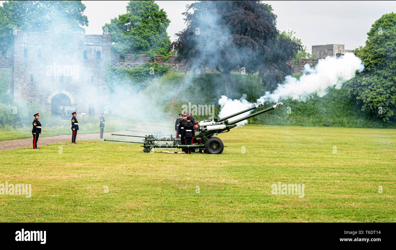 UK, Cardiff - 09 June 2018 -  104 Regiment Royal Artillery fire a 21 Gun salute as part of the official  birthday celebrations for Queen Elizabeth II  Stock Photo