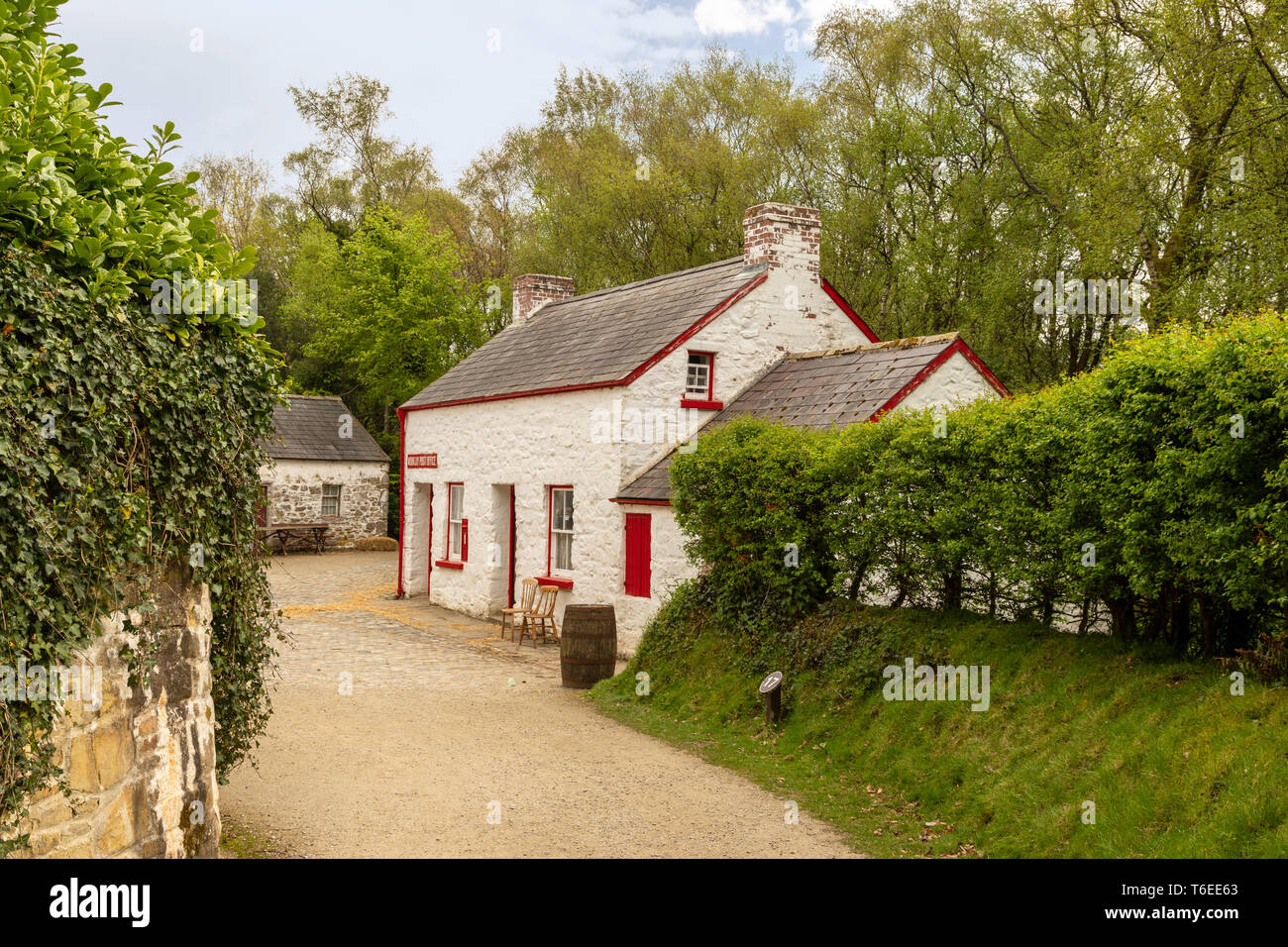 View of Mountjoy Post Office at the Ulster American Folk Park, Omagh, County Tyrone, Northern Ireland, United Kingdom. - Stock Image